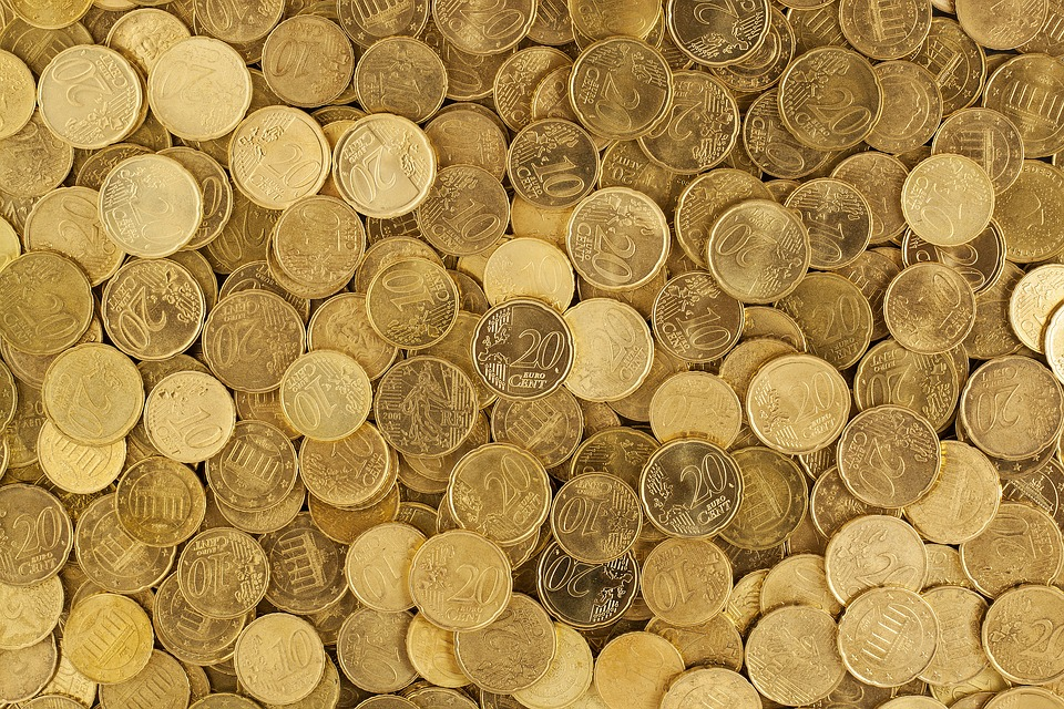 10 and 20 Cents coins in a pile